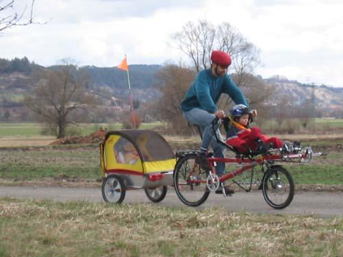 familien mobilit t mit dem pino fahrradzukunft ausgabe 8. Black Bedroom Furniture Sets. Home Design Ideas